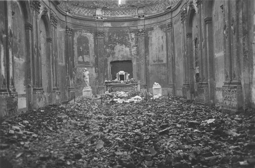 La chapelle en ruines